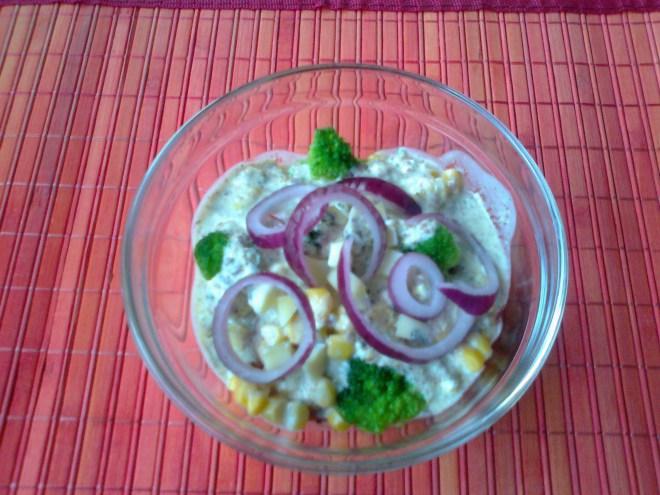 salata sa zamrznutom brokulom
