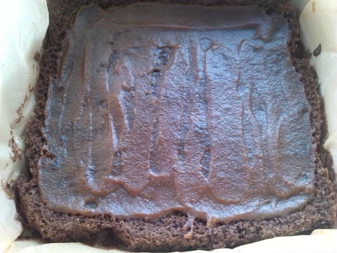 kolac sa karamelom i cokoladom